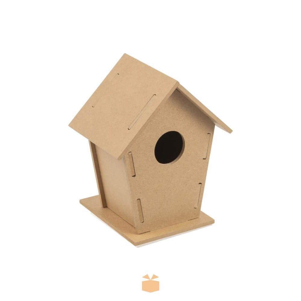 Domek dla ptaków z logo firmy